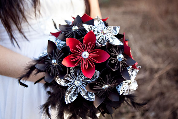 Ideas for your bridal bouquet and wedding flowers - TodaysBride.ca