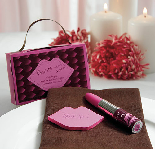 """""""Read My Lips"""" practical sticky notes with lipstick pen"""