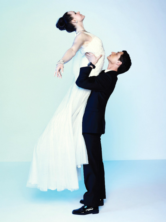 http://mediafiles.canadianbride.com/Images/Galleries/tessa-virtue-scott-moir-sochi-04.jpg