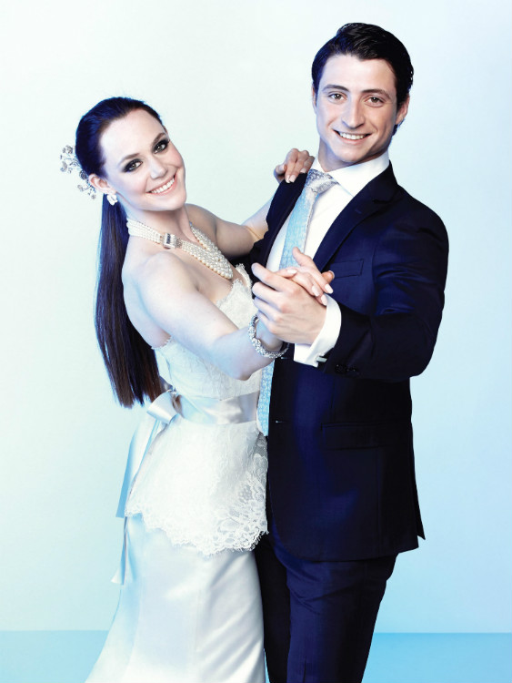 http://mediafiles.canadianbride.com/Images/Galleries/tessa-virtue-scott-moir-sochi-06.jpg