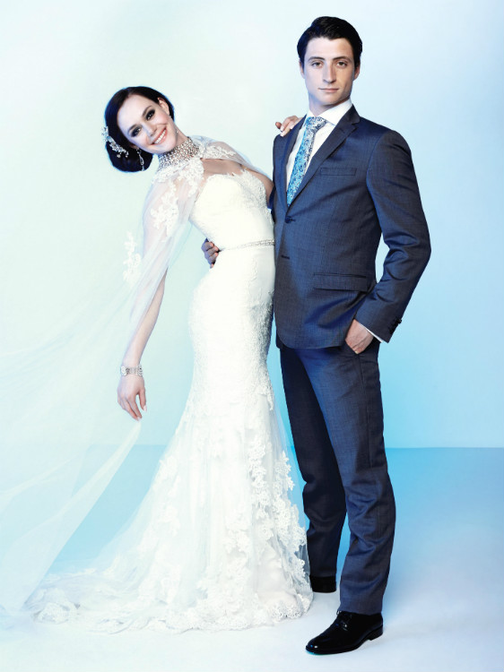 http://mediafiles.canadianbride.com/Images/Galleries/tessa-virtue-scott-moir-sochi-07.jpg