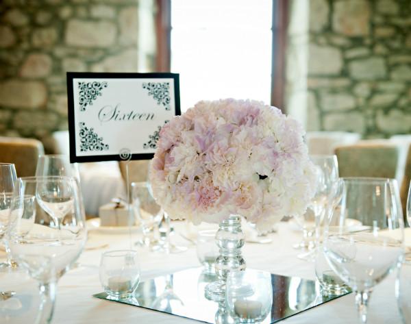 A Romantic Spring Wedding With Purple Details In Cambridge Ontario Todaysbride Ca