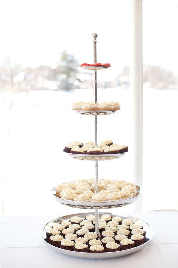 A Quirky Winter Wedding In Toronto Ontario Todaysbride Ca