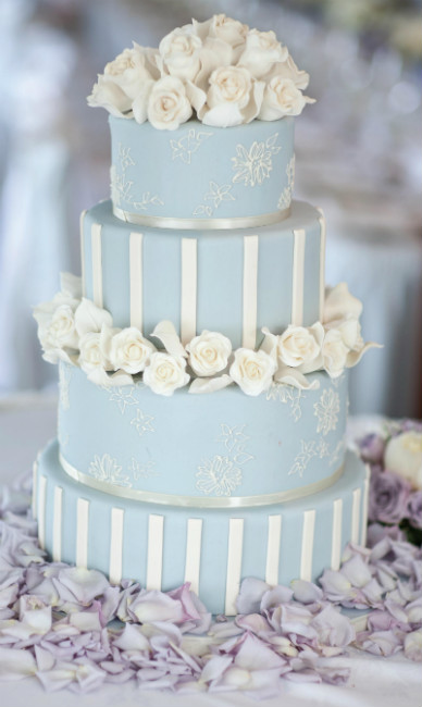 Romantic floral tier cake with metallic stencil design