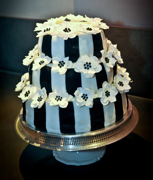 Playful brown-and-white striped cake with flowers