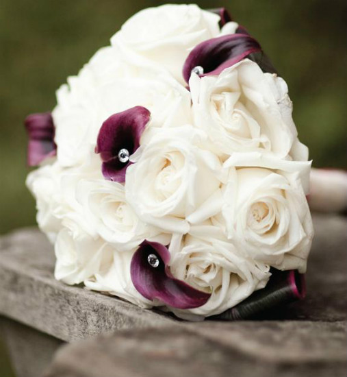 Romantic white rose and violet calla lily bouquet
