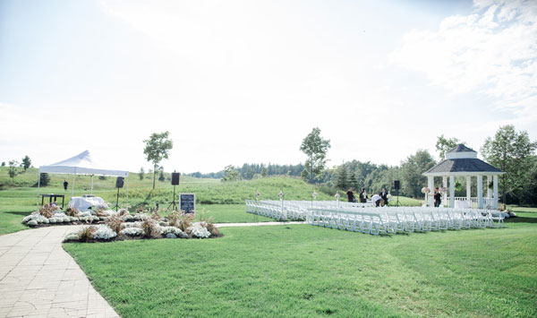 An Elegant Outdoor Wedding In Toronto Ontario: An Elegant Outdoor Wedding With Soft Pink And Gold Details