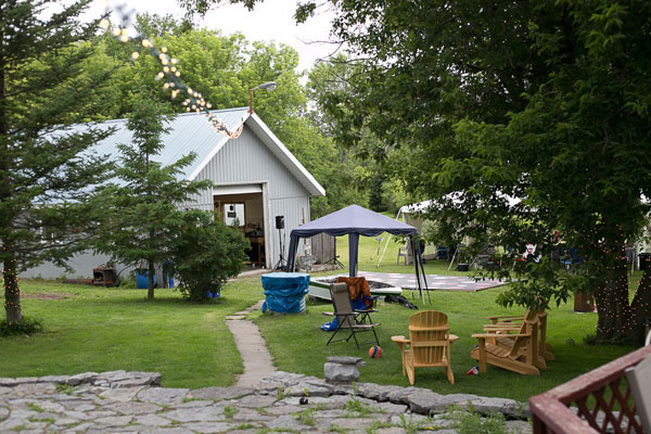 a quirky backyard bbq wedding with diy details in napanee
